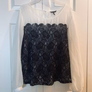 GUC Daisy Fuentes sheer lace top